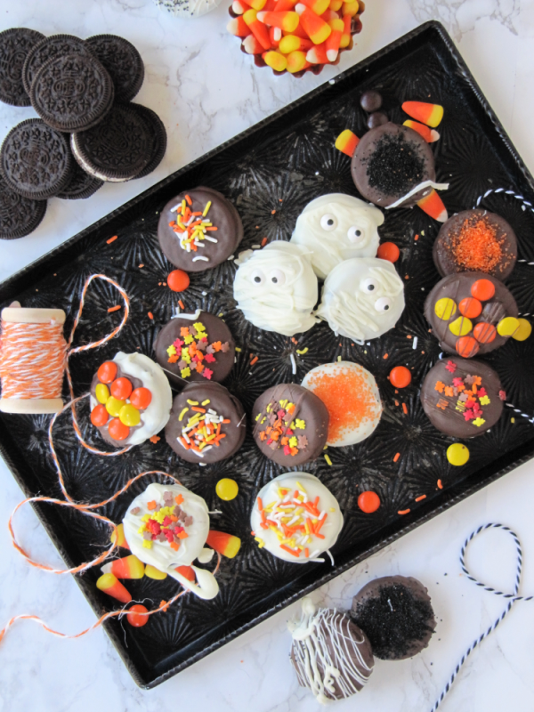 Halloween-chocolate-covered-oreo-cookies-decorated-with-candy