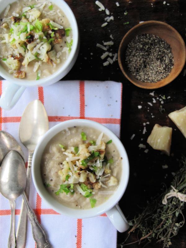 Creamy-chicken-cauliflower and leek soup