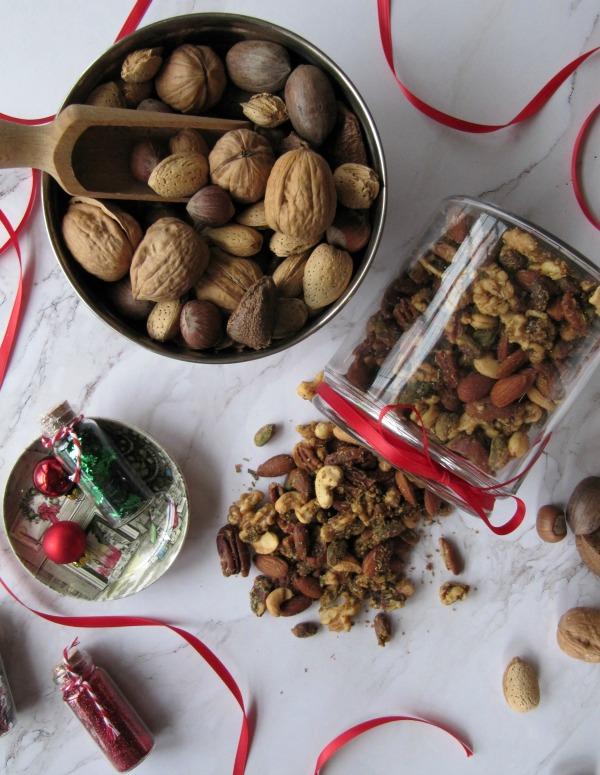 Rosemary Tarragon Mixed Nuts