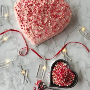 Easy heart shaped Valentine's Day cake