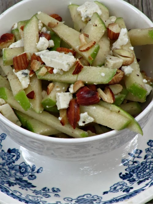 apple salad with almonds