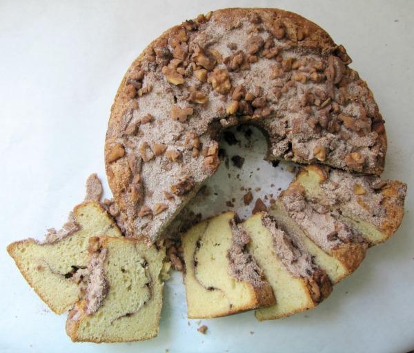 cinnamon walnut coffeecake
